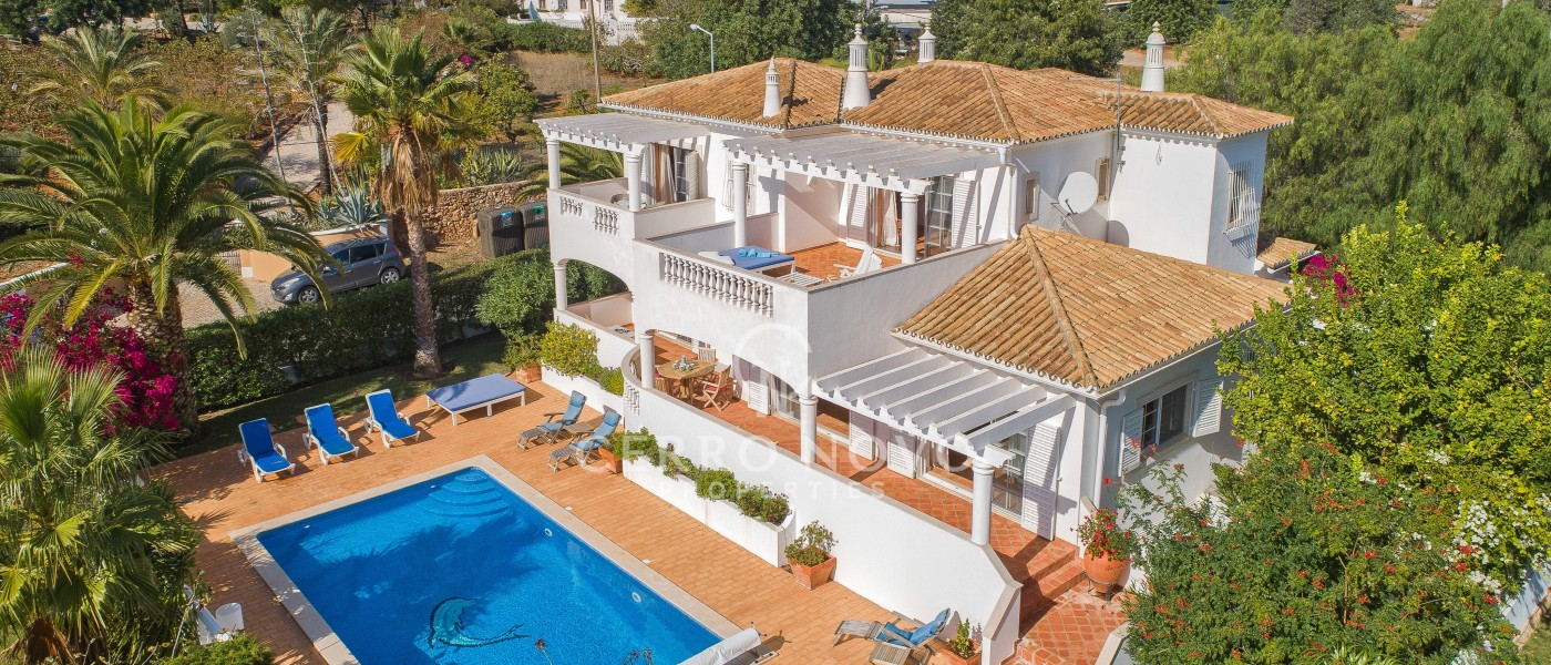 Charming, spacious villa with panoramic views