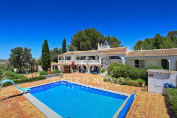 Splendid seven bedroom villa with private annexe