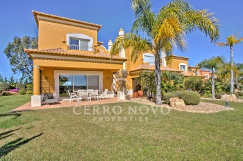 Newly built three bedroom linked villa Algarve