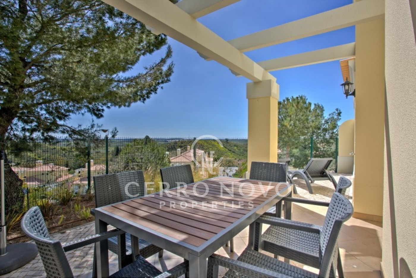 Three bedroom with spectacular countryside in the Algarve