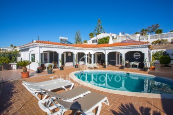 Amazing four bedroom villa with pool and views over the marina