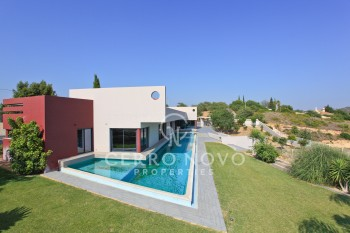 Amazing contemporary four bedroom villa with lap pool
