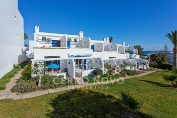 SOLD- Wonderful renovated townhouse with sea view
