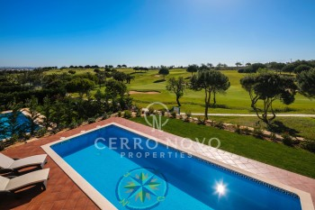 Stunning four bedroom villa on the golf course