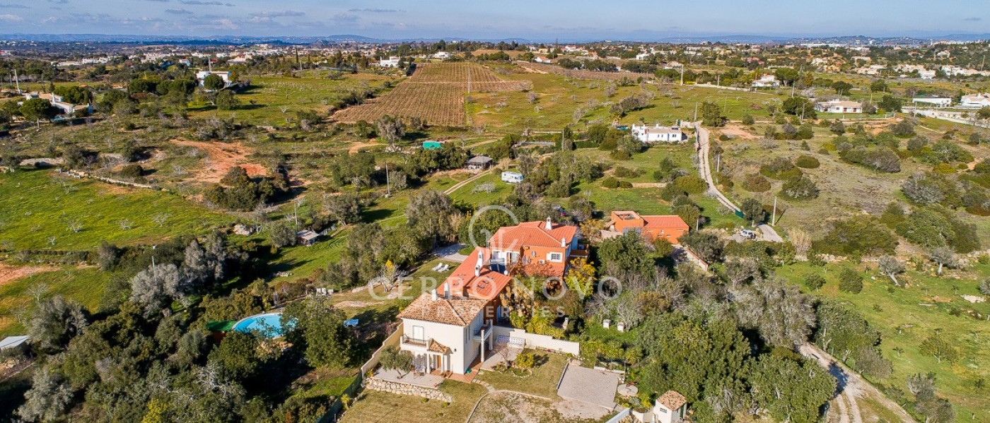 Country villa full of character with panoramic views