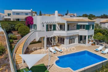 Immaculate five (3+2) bedroom villa with sea view