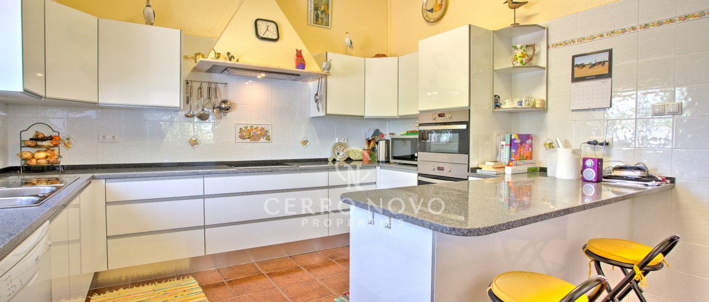 Immaculate three bedroom villa with pool and extensive tropical garden