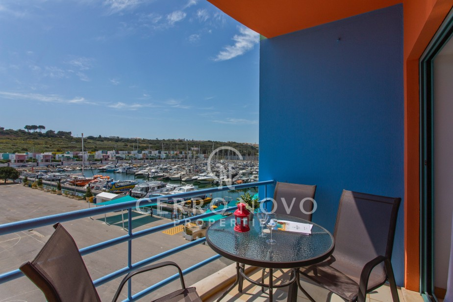 Modern two bedroom apartment overlooking the Albufeira marina