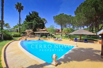 UNDER OFFER- Unique Quinta style property set amidst idyllic, private grounds