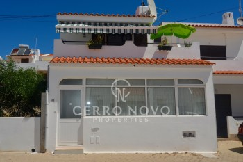 Two bedroom townhouse walking distance of Albufeira old town