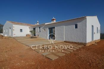 Beautiful Algarvian villa on o plot of  56.500m2