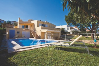 Conveniently located four bedroom villa with pool and garden.