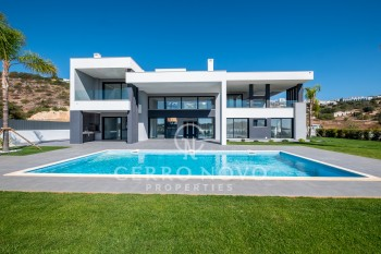 A luxuriously appointed contemporary villa with five bedroom suites