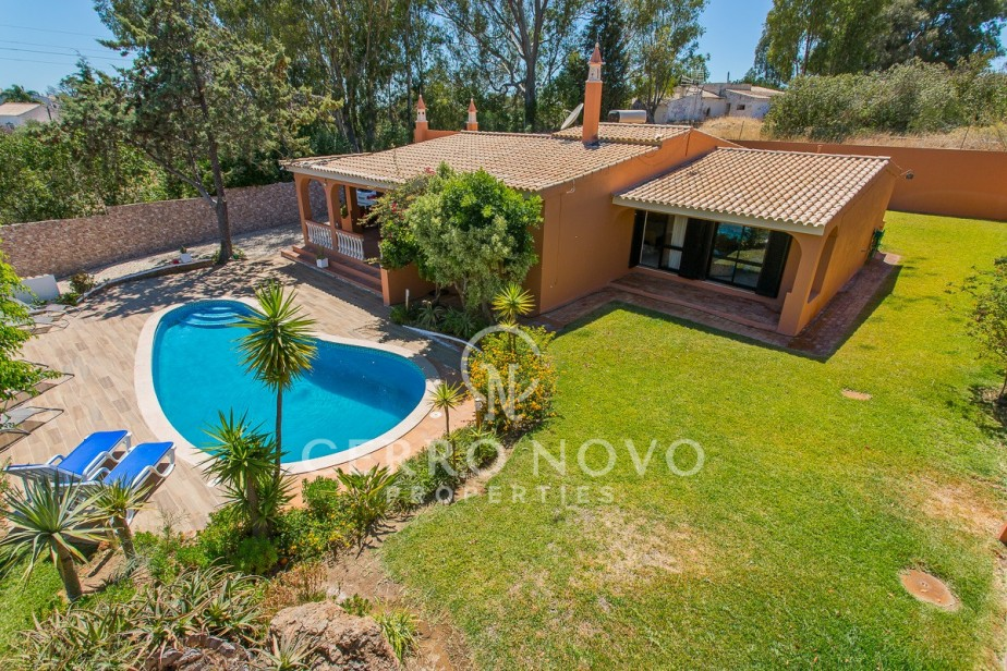 Single storey three bedroom villa with swimming pool