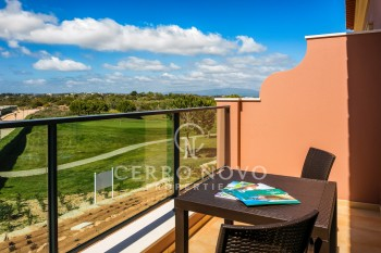 Three bedroom townhouse, golf views in the Algarve