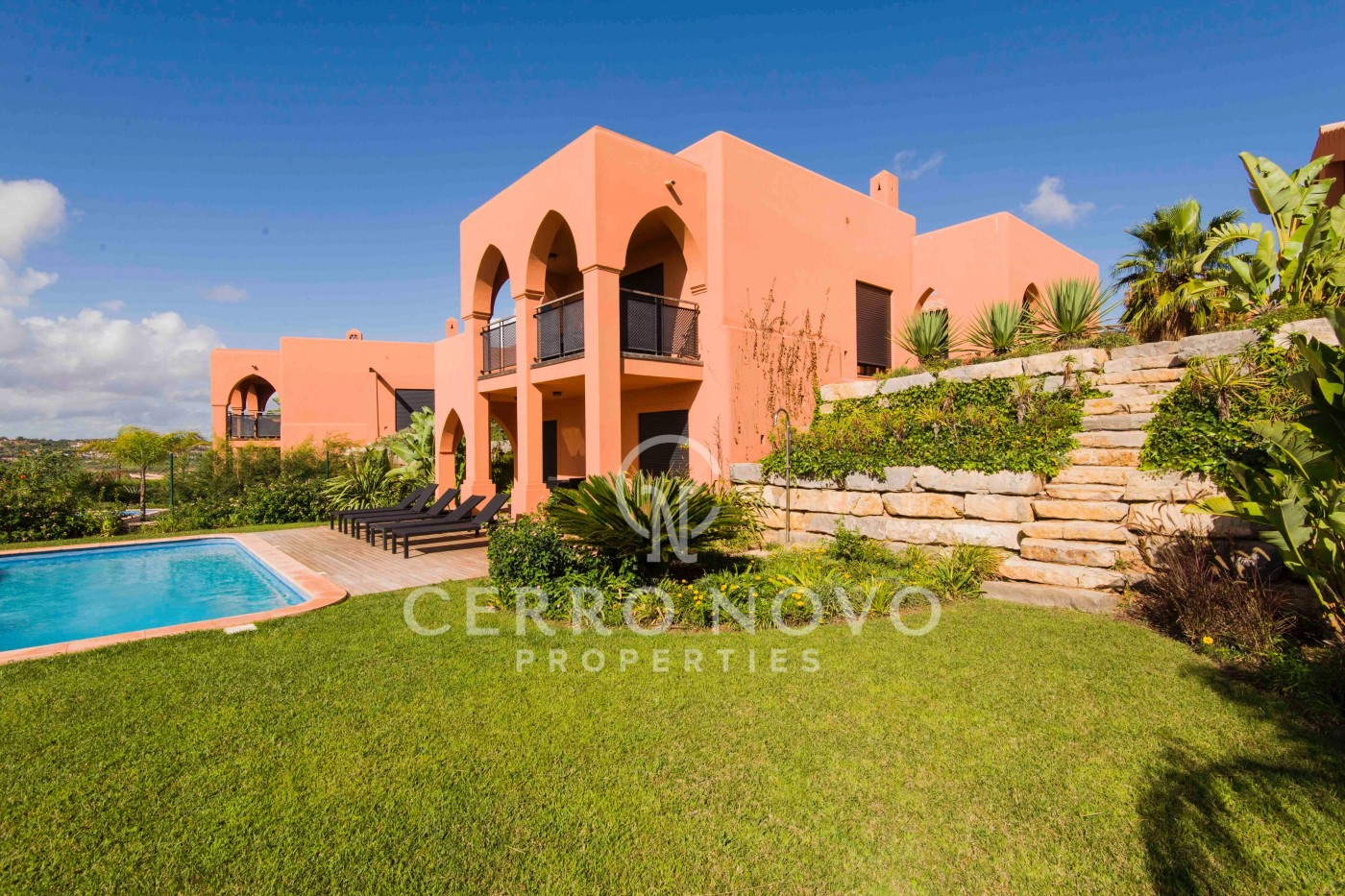 Three bedroom villas overlooking  golf course in the Algarve
