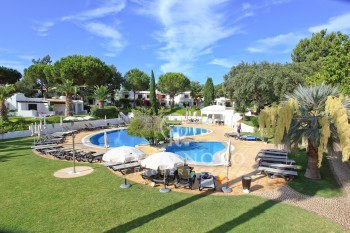 Studio on golf complex with beautiful gardens and swimming pools