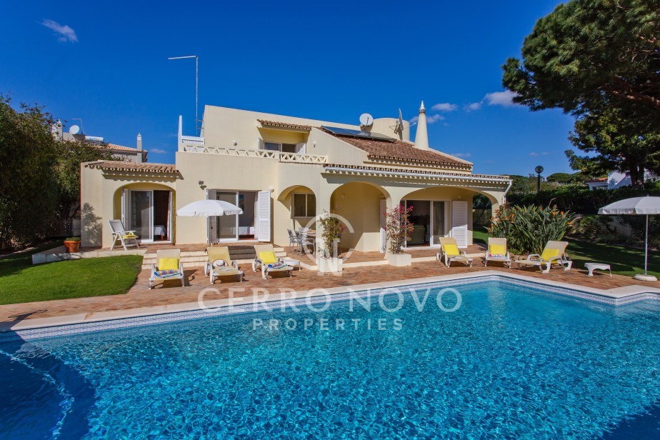 A well-appointed villa with heated pool close to Coelha Beach