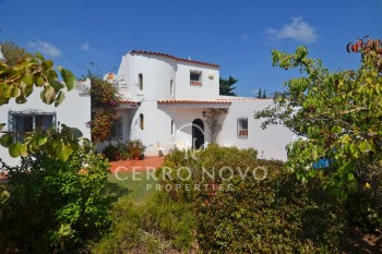 SOLD   Charming, traditional, three bedroom villa with walled garden and pool