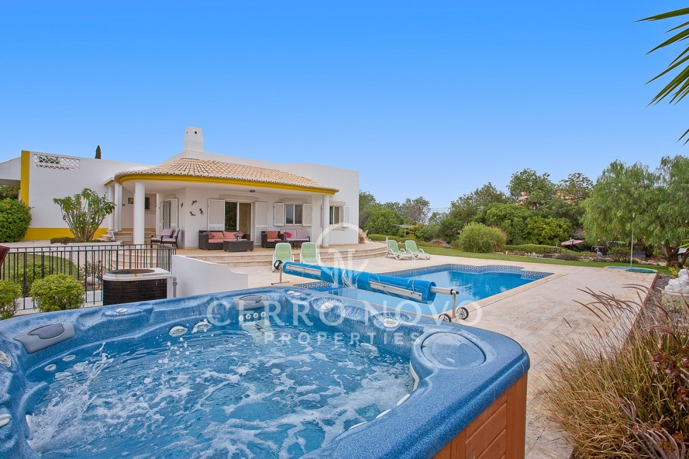 Four (3+1) bedroom villa with lovely gardens and heated pool
