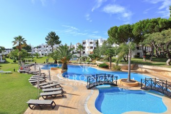 Apartments on Golf complex with  beautiful gardens and swimming pools