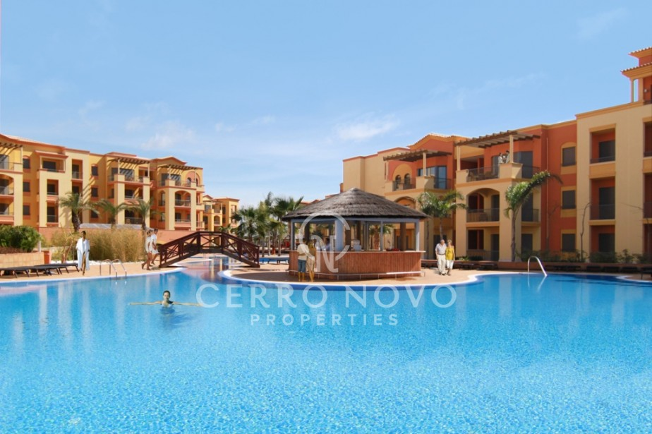Luxurious 2&3 bedroom apartments on a Golf course