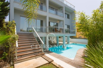 Exciting and modern villa with five bedrooms and pool