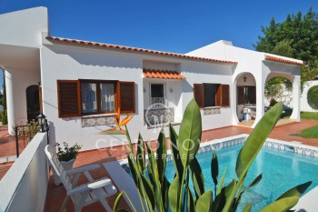 Four bedroom villa plus 1 Bed  annexe with garage , pool and garden