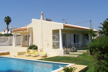 Lovely 2 bed villa close to the beach