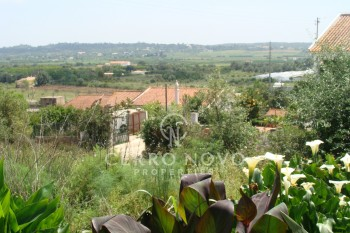Excellent plot near Alcantarilha-Gare on a short drive to the coast